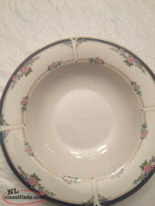APROPOS Diana Fine China 8 Piece Set for Sale in GFW