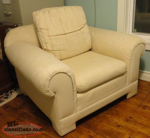 Sofa Chair, very good clean condition - with pillows