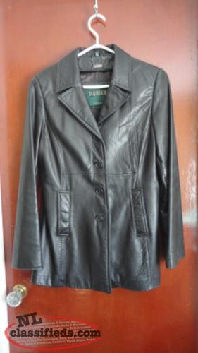 Danier Ladies Leather Coat, 3/4 length, good condition, size 8-10