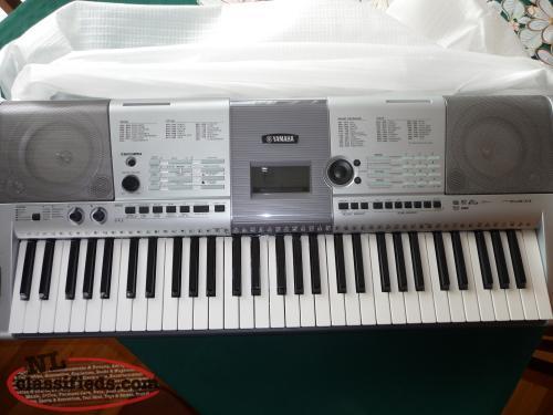 yamaha psr e403 keyboard brigus newfoundland labrador. Black Bedroom Furniture Sets. Home Design Ideas