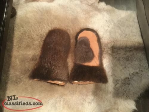 Hand made beaver skidoo mitts