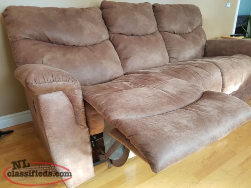 Lay z boy reclining sofas torbay newfoundland labrador for Lay z boy living room set
