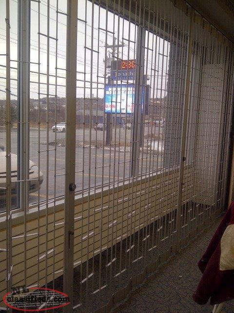 Retail Store Lockable Security Folding Doors