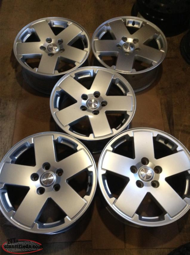 "Brand New Take-offs 18"" Jeep Wrangler Alloy Rims with Sensor"