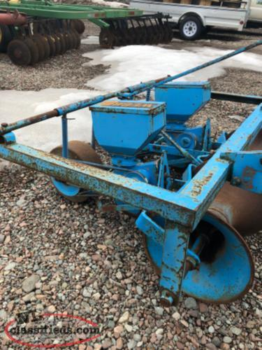 2 ROW WEBB SEEDER