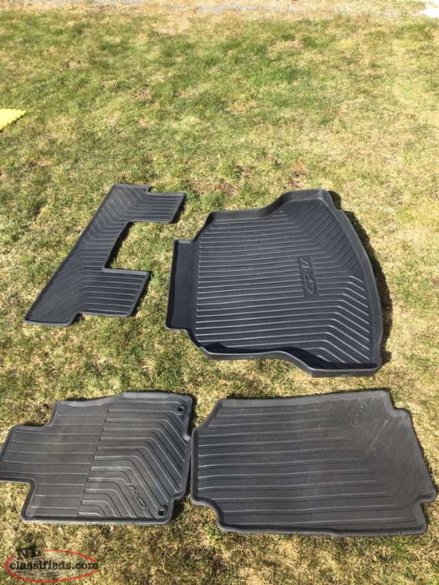 Honda CRV Rubber Mats And Cargo Tray