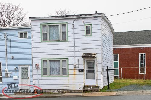 ATTENTION CONTRACTORS! 3 Bedroom home downtown + extra building lot!