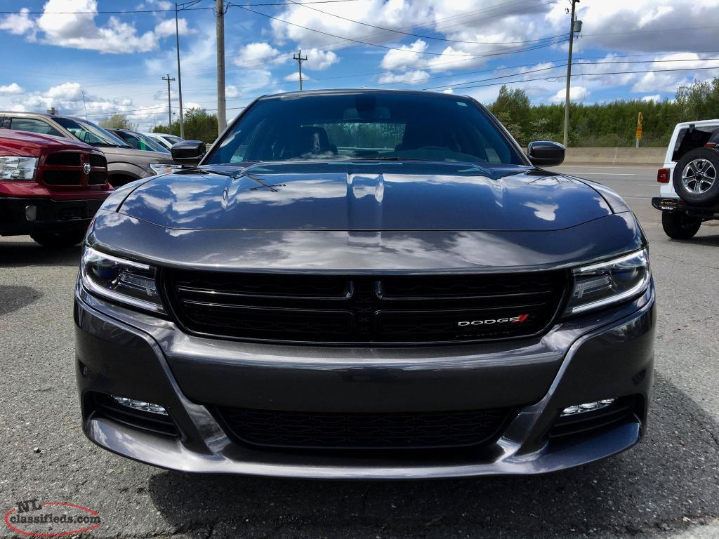 2017 dodge charger sxt all wheel drive beauty only 215. Black Bedroom Furniture Sets. Home Design Ideas