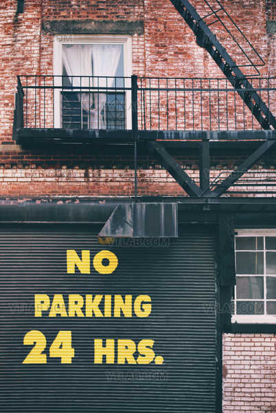 No Parking 24 HRS.