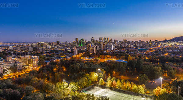 Parc Lafontaine et Montreal