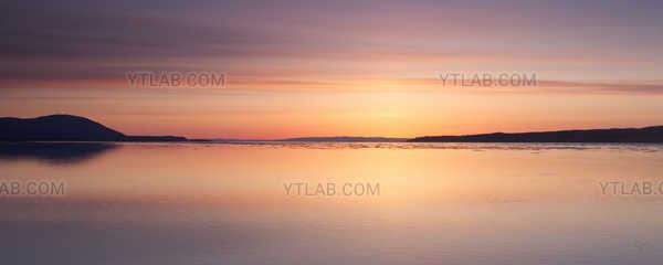 Le fleuve Saint-Laurent l'aube