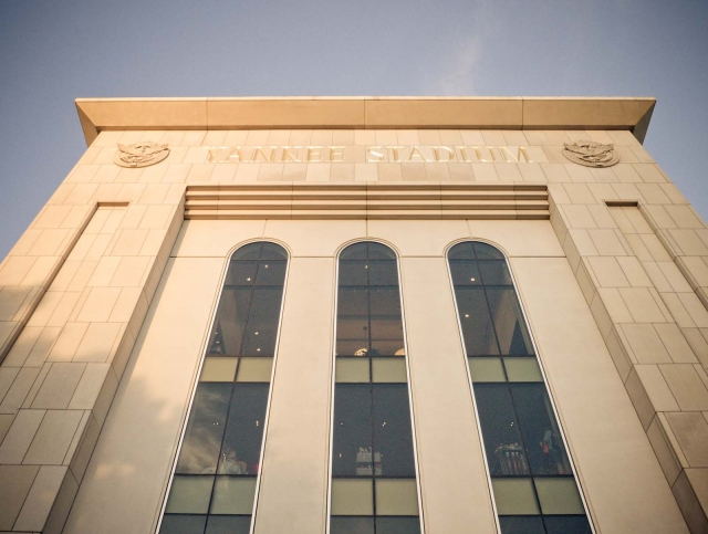 building_yankeestadium2012_blotto_1010195.jpg