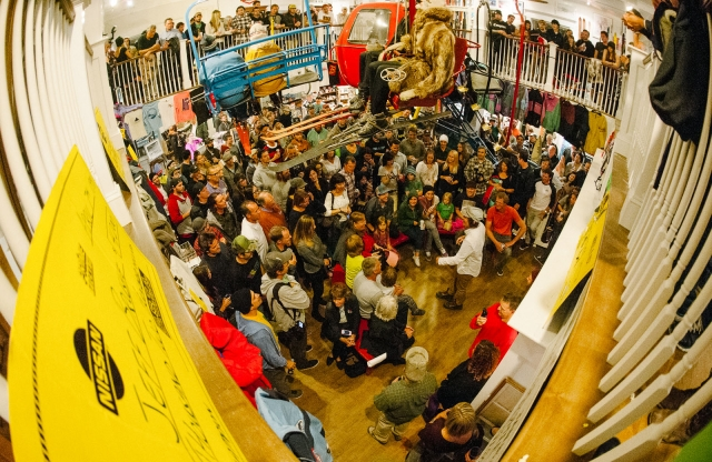 crowd_stowesnowmuseum2013_blotto_7206_1.jpg