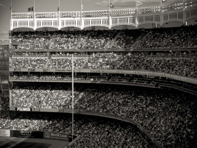 crowd_yankeestadium2012_blotto_1010090.jpg