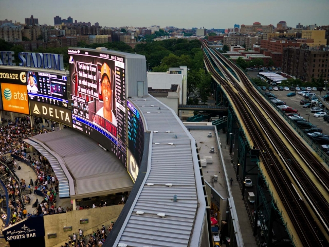 train_yankeestadiumjuly2012_blotto_1000290.jpg