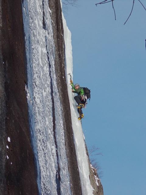 jw_ice_climb_photo_1.jpg