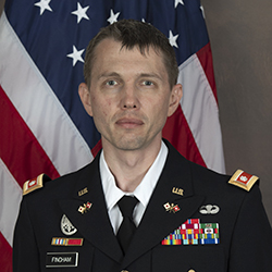 LTC Justin Fincham official photo in uniform