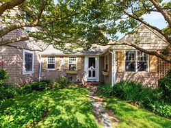 64 Folsom Ave, Hyannis, MA 02601