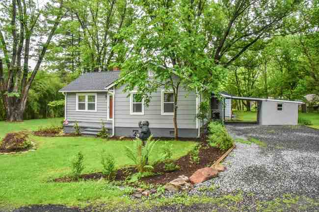 3 Hemphill Rd, Black Mountain, NC 28711
