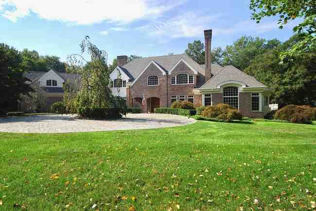 19 Woods End Lane, Weston, CT 06883