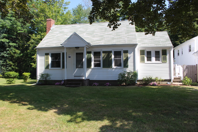 60 Bourne Avenue, Wells, ME 04090