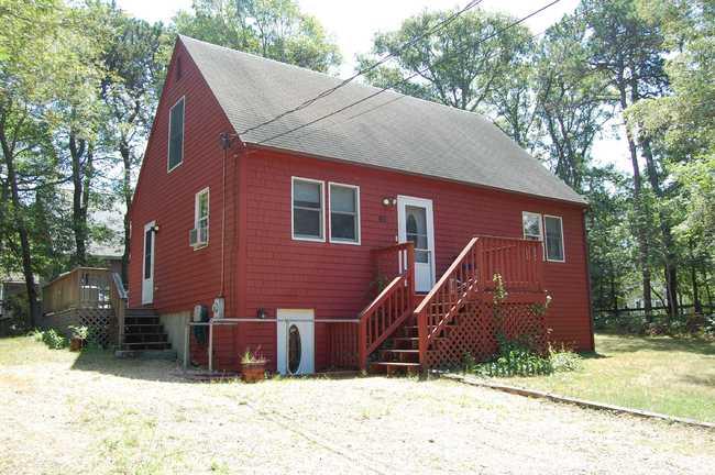 60 Towanticut Avenue, Oak Bluffs, MA 02557