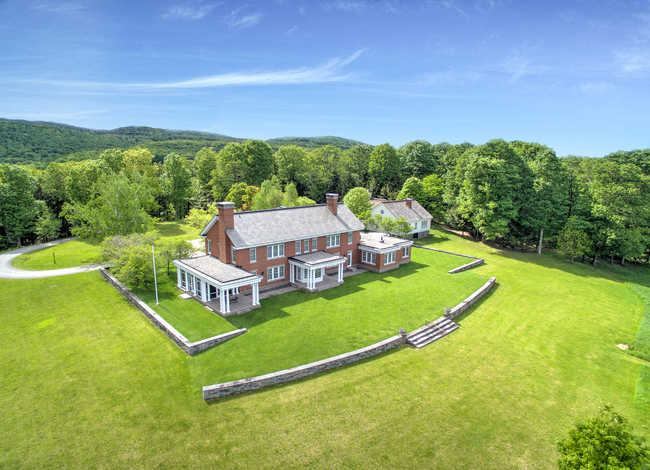 387 Benedict Road (SOLD/CLOSED) Woodstock VT 05071
