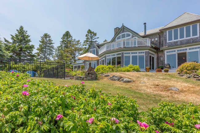 371 Shore Road, York, ME 03909