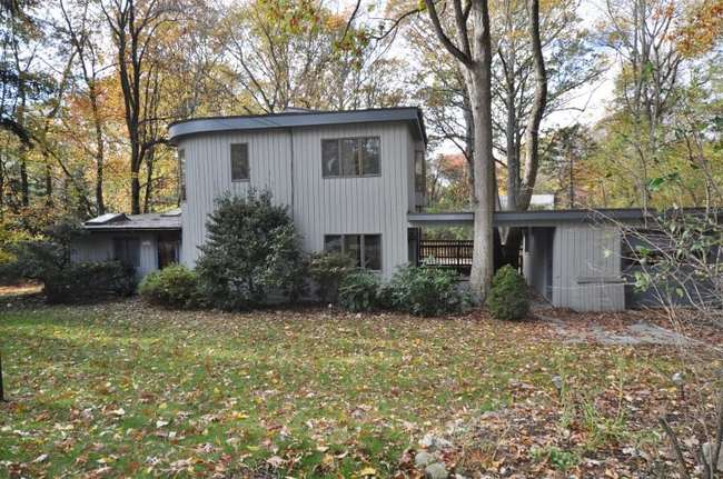 21 Westview Lane, Norwalk, CT 06854