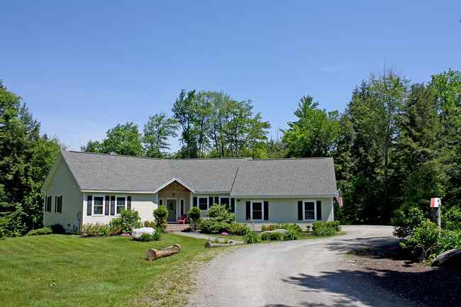 23 Woods Road East, Ludlow, VT 05149