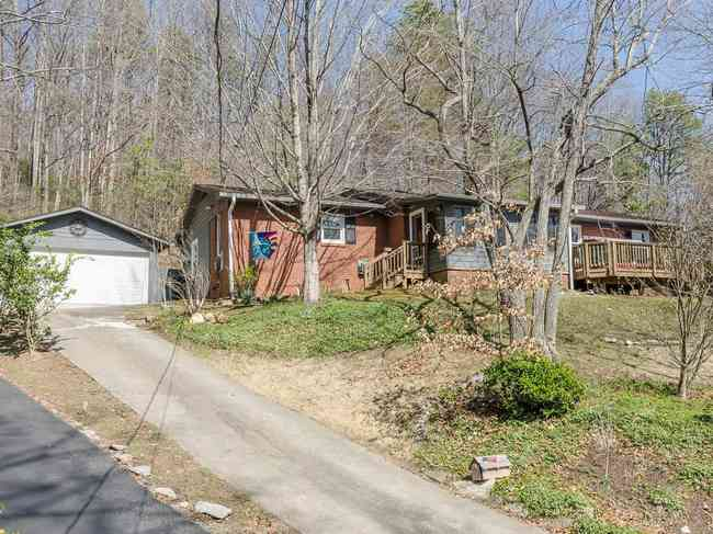 108 Jeanie Ave, Black Mountain, NC 28711