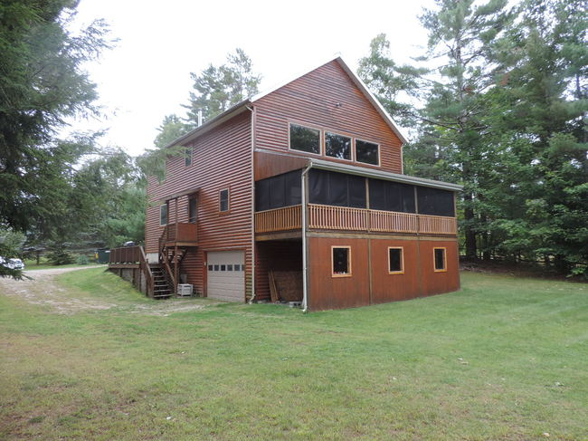 45 Pinewood Dr., Derby, VT 05829