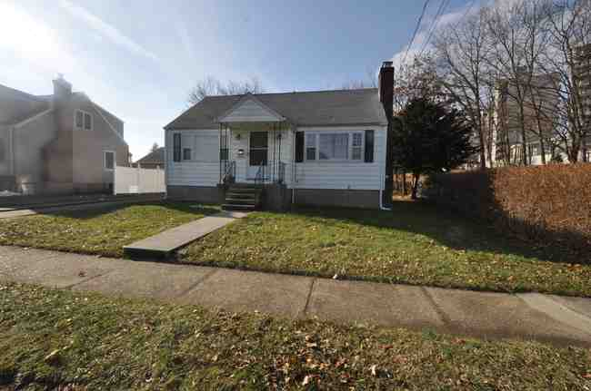 11 Stratfield Place, Bridgeport, CT 06606