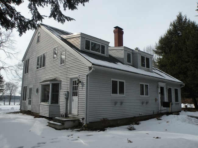 279 River Road, Eliot, ME 03903