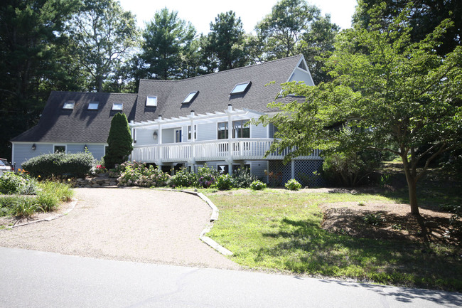 38 Bright Coves Way, Mashpee, MA 02649