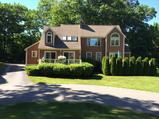 6 Rosewood Lane, York, ME 03909