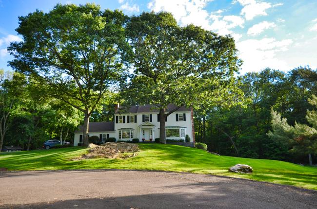 105 Half Mile Lane, Southport, CT 06890