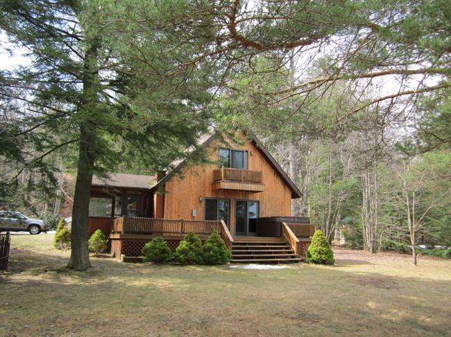 48 S. Little Wolf Road, Tupper Lake, NY 12986 Tupper Lake NY 12986