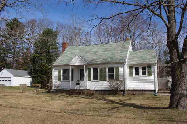 60 Bourne Ave, Wells, ME 04090
