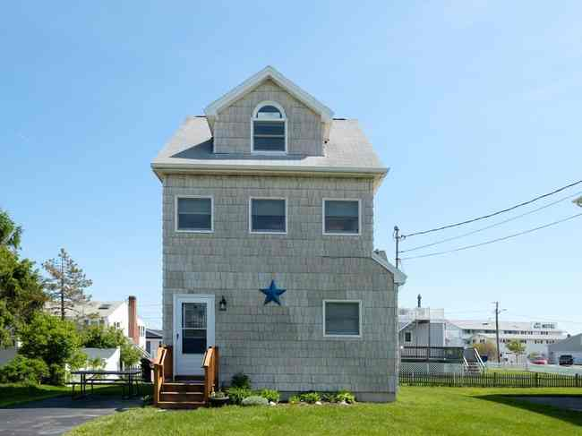 26 Surf Ave, York, ME 03909
