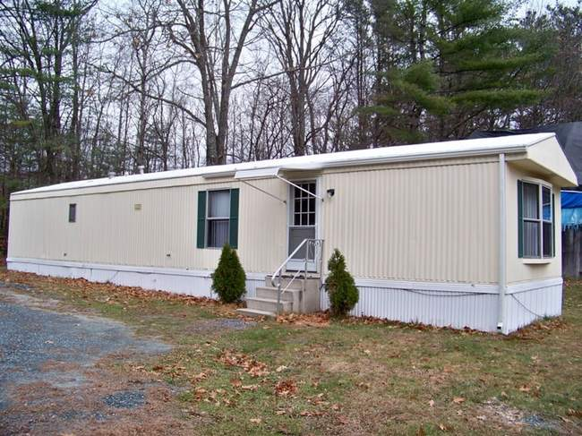 727 Shaker Hill Road, Enfield, NH 03748