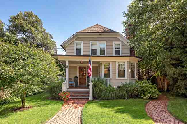 18 Forest Avenue, Old Greenwich, CT 06870