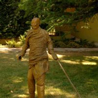 Juan Muñoz, Walking with a pointing stick, Bronze, Overall: 57 1/16 x 32 11/16 x 11 13/16in. (145 x 83 x 30cm)