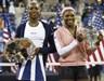 Venus_-_Serena_-_2002_US_Open_-_credit_Getty