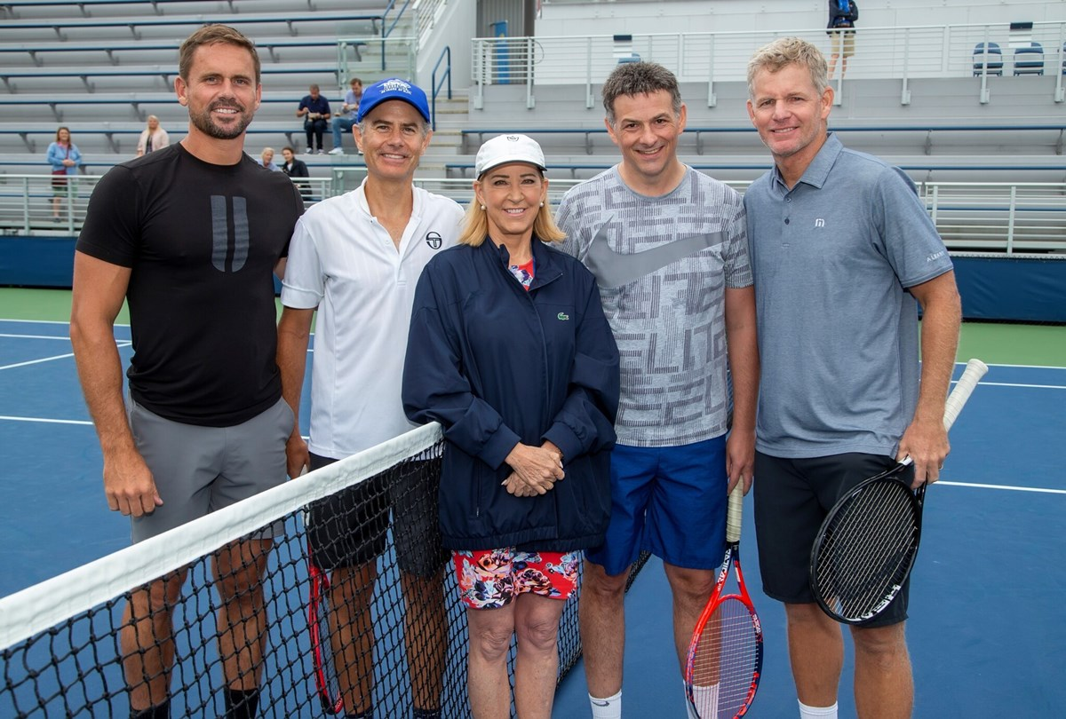 USTA1192619_Chris_Evert_with_winners