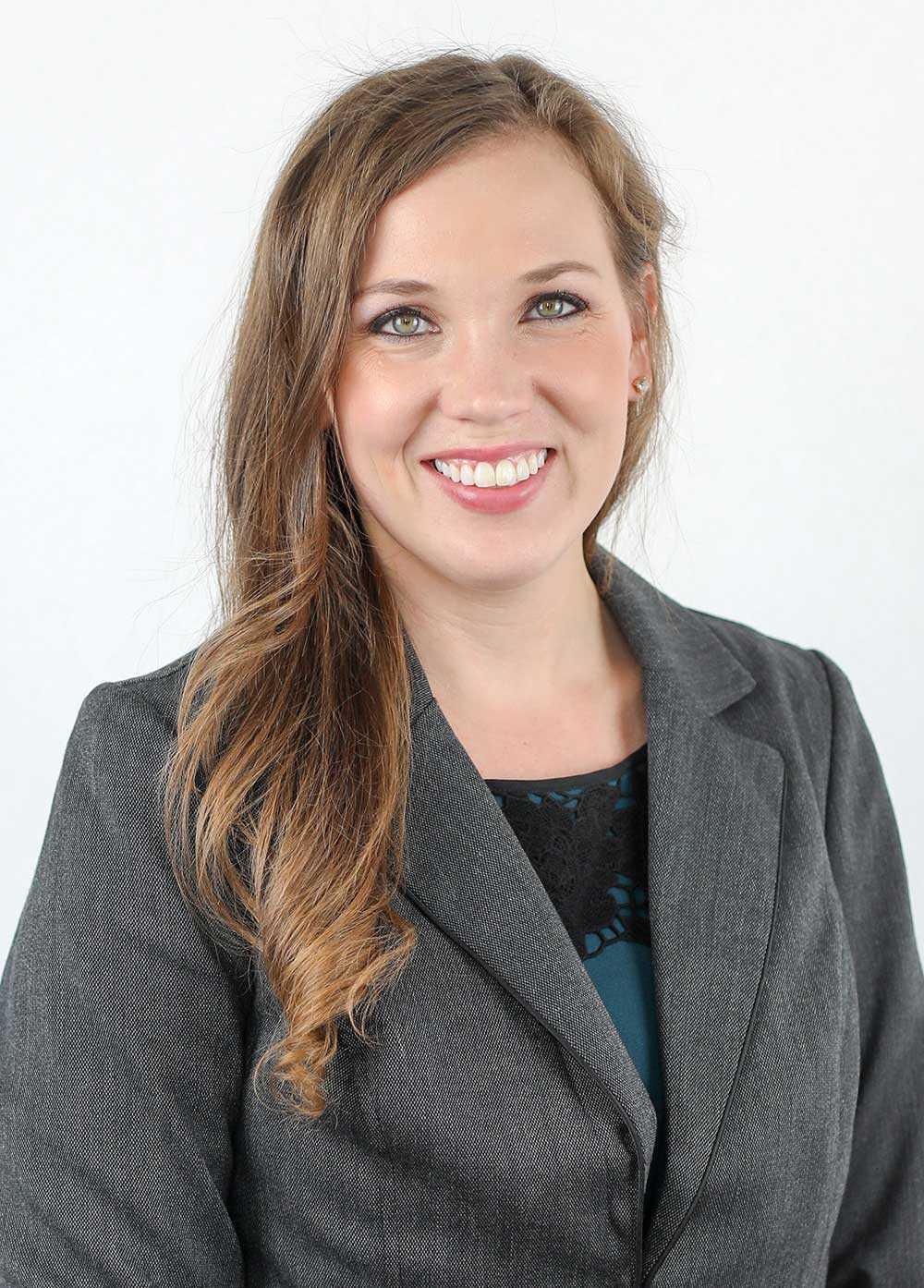 Headshot of Alyssa Aguirre.