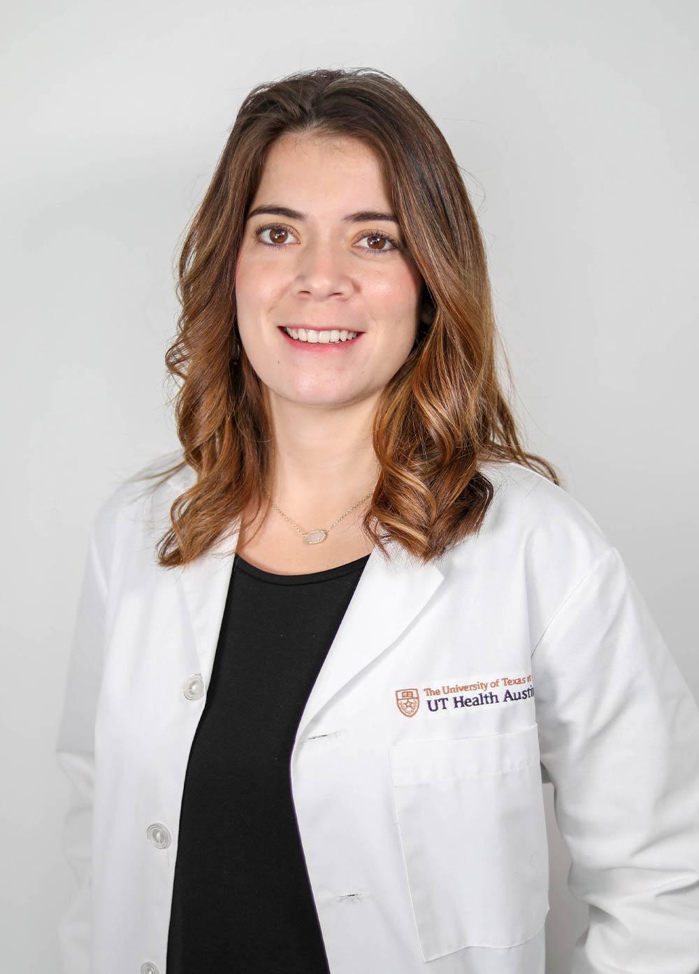 Headshot of Joanna Lopez