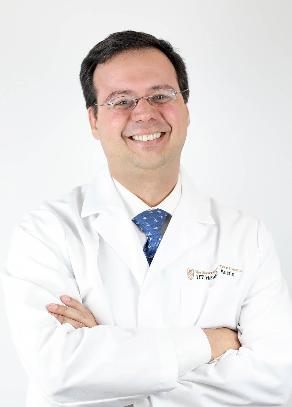 Headshot of Jorge Almeida