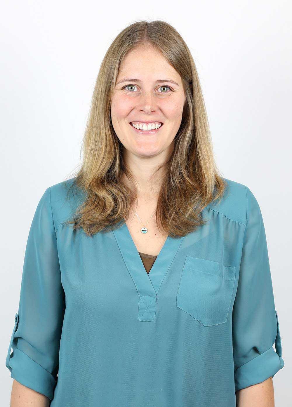 Headshot of Lindsey Wineholt