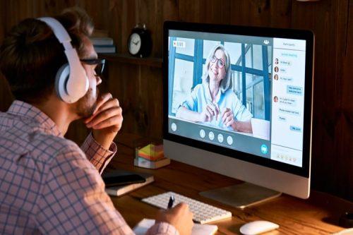 A student attends an online nursing class.